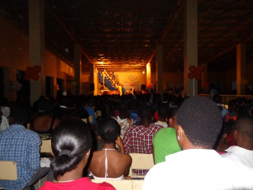 More than 3,000 people came to the representations and many gave their lives to the Lord.