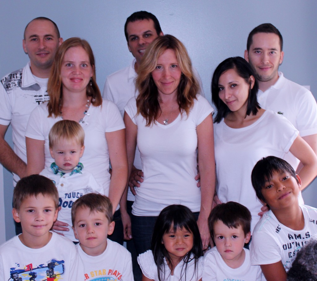 From left to right Back rows, Pierre (son) & Mirjam, Sebastien & Naomi (daughter), Max (son) & Nathalie. Front row, Adrian, Nathan, Louis Charbonneau, Sophia Guignard, Eli Charbonneau & Mathis Guigna